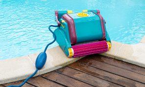 Comment bien choisir son robot de piscine