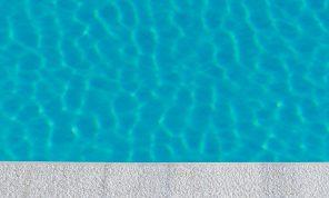 comment résoudre le problème d'eau trouble dans la piscine